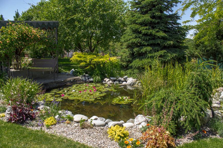 Ландшафтный дизайн участка с водоемом